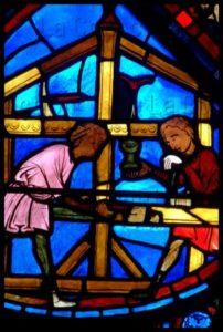 Art gothique. Bourges. Cathédrale St Etienne. Verrière de l'histoire de Joseph. Détail : charpentiers. Vers 1210 1215. Vitrail.