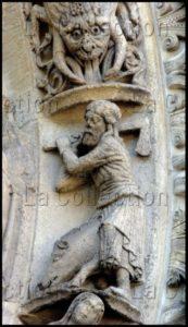 Art gothique. Chartres. Cathédrale Notre Dame. Façade ouest. Portail gauche. Calendrier. Novembre. XIIe siècle. Sculpture.