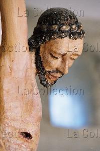 Art gothique. Christ en Croix. Détail. XIV-XVe siècle. Sculpture. Saint-Robert. Eglise.