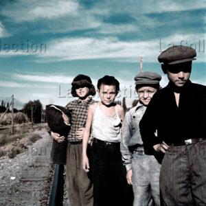 Peter Bock-Schroeder. Quatre enfants de Sotchi. 1956. Photographie. Collection particulière.