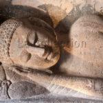 Art indien. Période Vâkâtaka. Ajantâ. Grotte 26. Le Parinirvâna ou Extinction complète du Bouddha. VIe siècle. Sculpture.