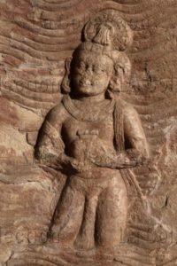 Art indien. Période Gupta. Udayagiri. Grotte 5. Varuna, au milieu des flots. Fin IVe-début Ve siècle. Sculpture.