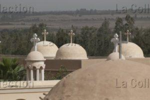 Egypte. Ouadi Natroun (ou Wadi El Natrun). Détail des coupoles et croix tréflées. IXe siècle. Architecture.