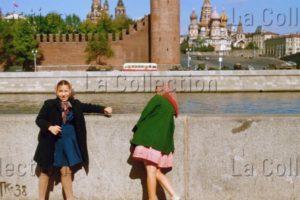 Russie. Société. Fillettes Sur Le Quai De La Moskova à Moscou. 1956. Photographie. Collection Particulière.