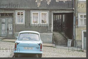 Delagarde, Jean Pierre. Allemagne (RDA). Bleu Comme Une Trabant. 1980 1981. Photographie. Collection Particulière.