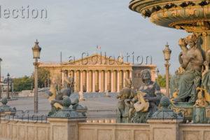 Paris. Place De La Concorde. Fontaine Des Mers Et Palais Bourbon. Photographie De Jean Michel Drouet.