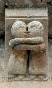 Art Roman. Aulnay De Saintonge. Eglise St Pierre. Chevet. La Visitation. XIIe Siècle. Sculpture.