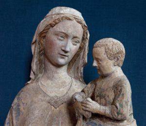 Art Gothique. France. Vierge à L'Enfant, Dite Notre Dame D'Ecouis. Détail : Buste. 1311 1313. Sculpture. Ecouis, Collégiale Notre Dame de L'Assomption.