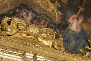 France. Versailles. Château. La Galerie Des Glaces. Détail.