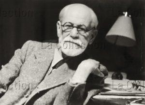 Sigmund Freud à son bureau. 1938. Photographie. Vienne, Sigmund Freud Museum.