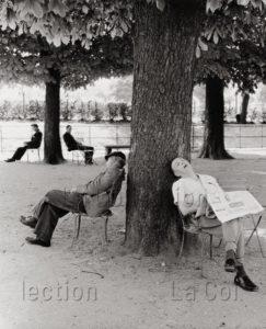 Franz Hubmann. L'après-midi au jardin des Tuileries. 1957. Photographie. Collection particulière.