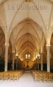 Art Gothique. Le Mans. Hôtel Dieu De Coëffort. Eglise Ste Jeanne D'Arc. Salle Des Malades. Vue Vers L'autel. XIIe XIIIe Siècle. Architecture.