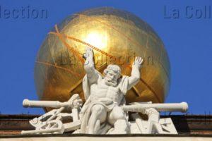 Autriche. Vienne. Hofburg. Bibliothèque Nationale D'Autriche. Attique. Mattielli, Lorenzo. Détail : Atlas Supportant Le Globe Céleste. 1726. Sculpture.