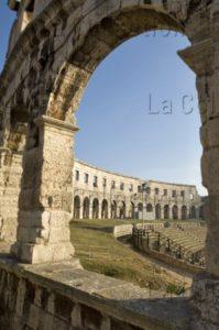 Art Romain. Croatie. Pula. Amphithéâtre. Vue D'une Arcade. Ier Siècle. Architecture.