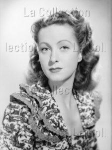 Lorelle, Lucien. Portrait de L'actrice française, Danielle Darrieux. 1949. Photographie. Archives Philippe Gallois.