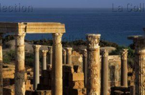 Libye. Leptis Magna. Théâtre. Portique sévérien de fond de scène. Ier IIe siècle. Photographie.