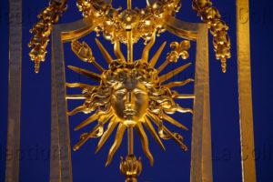 Art Classique. Versailles. Château. Grille Royale. Détail : Soleil. 2007 2008. Ferronnerie.