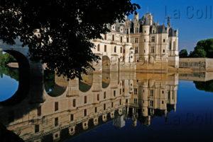 Renaissance. Chenonceaux. Château De Chenonceau. Vue Générale Depuis Le Cher. XVIe Siècle. Architecture.