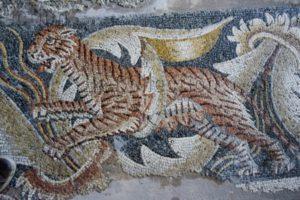 Art Romain. Sicile. Noto. Villa Del Tellaro. La Pesée du cadavre d'Hector. Détail : tigre. 2e moitié IVe siècle. Mosaïque.