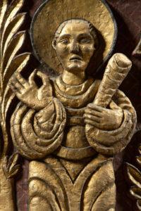 Art roman. Paris. Eglise St-Germain-des-Prés. Nef. Mur nord. Chapiteau. Détail : les martyrs. Un martyr tenant une massue. Vers 1000. Sculpture.