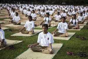 Inde. Société. Première journée internationale de yoga à Palakkad. 2015. Photographie de Manuela Boehme.
