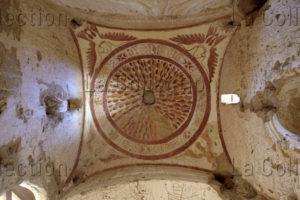 Egypte. Oasis d'el-Khârga. El-Bagawât. Nécropole. Chapelle 25. Coupole. Vue d'ensemble : les colombes du Saint-Esprit. IVe-VIIe siècle. Peinture murale.