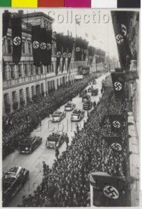 Autriche. IIIe Reich. Anschluss. Arrivée d'Hitler à Berlin. 1938. Photographie. Vienne, Österreichische Nationalbibliothek.