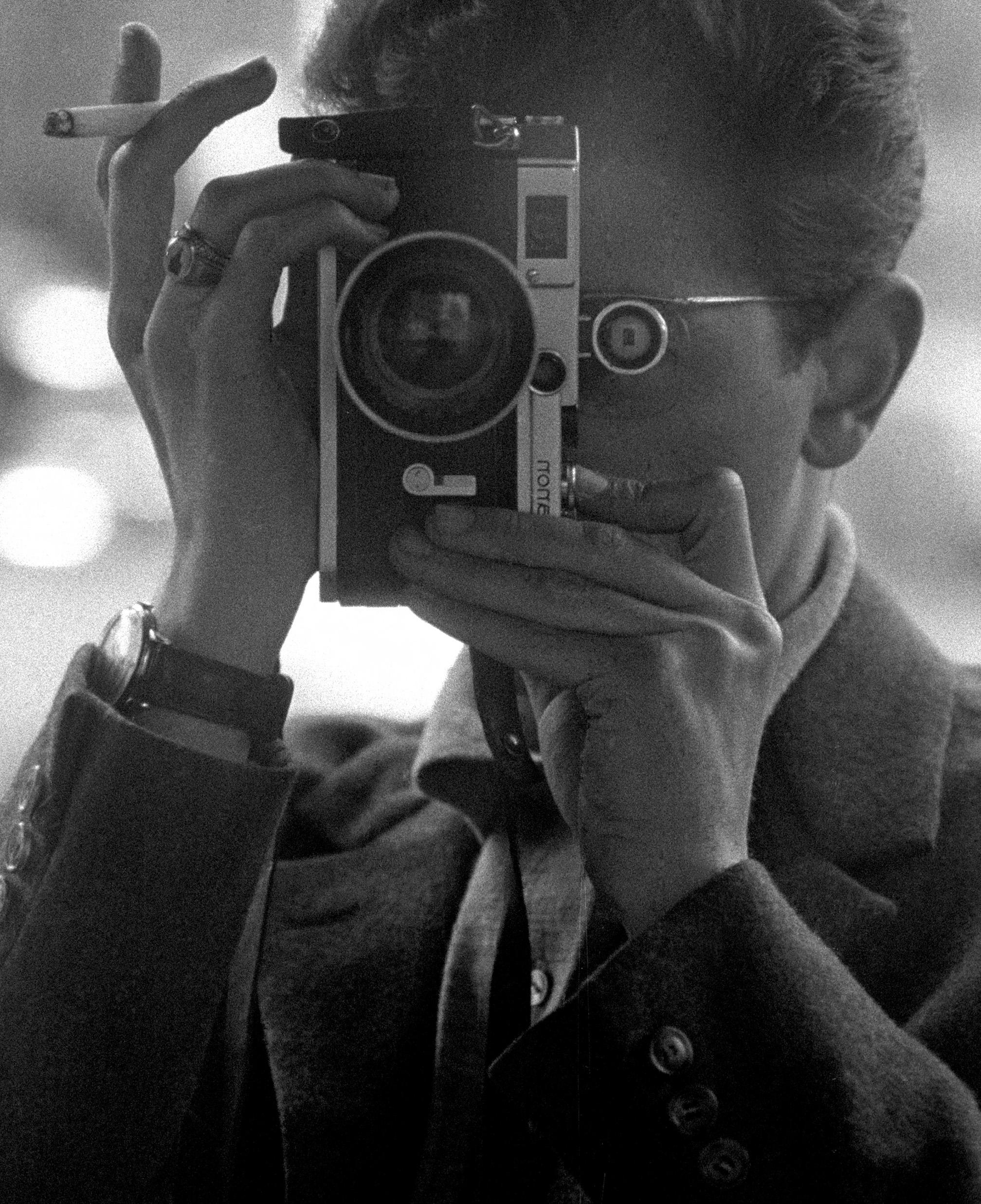 Herschtritt, Léon. Autoportrait. Vers 1960. Photographie. Collection particulière.