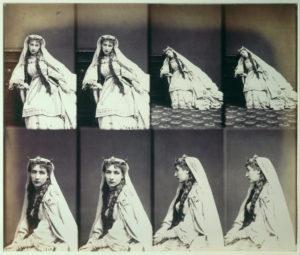 André Disdéri. Portraits de Sarah Bernhardt. 1866. Photographie. Paris, Musée d'Orsay.