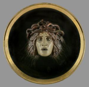 Arnold Bocklin. Bouclier avec le visage de Méduse. 1897. Sculpture. Paris, Musée d'Orsay.