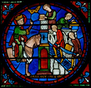 Art gothique. Chartres. Cathédrale Notre-Dame. Déambulatoire. Verrière de Charlemagne. Détail : construction d'une église. Vers 1225. Vitrail.